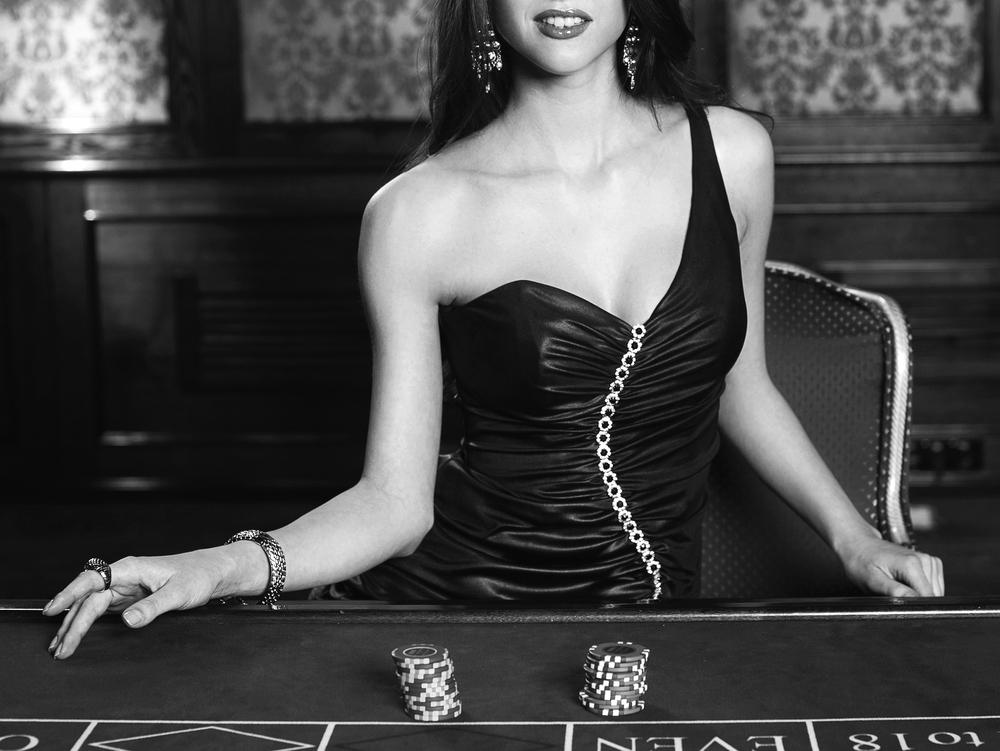 роскошная женщина в казино фото