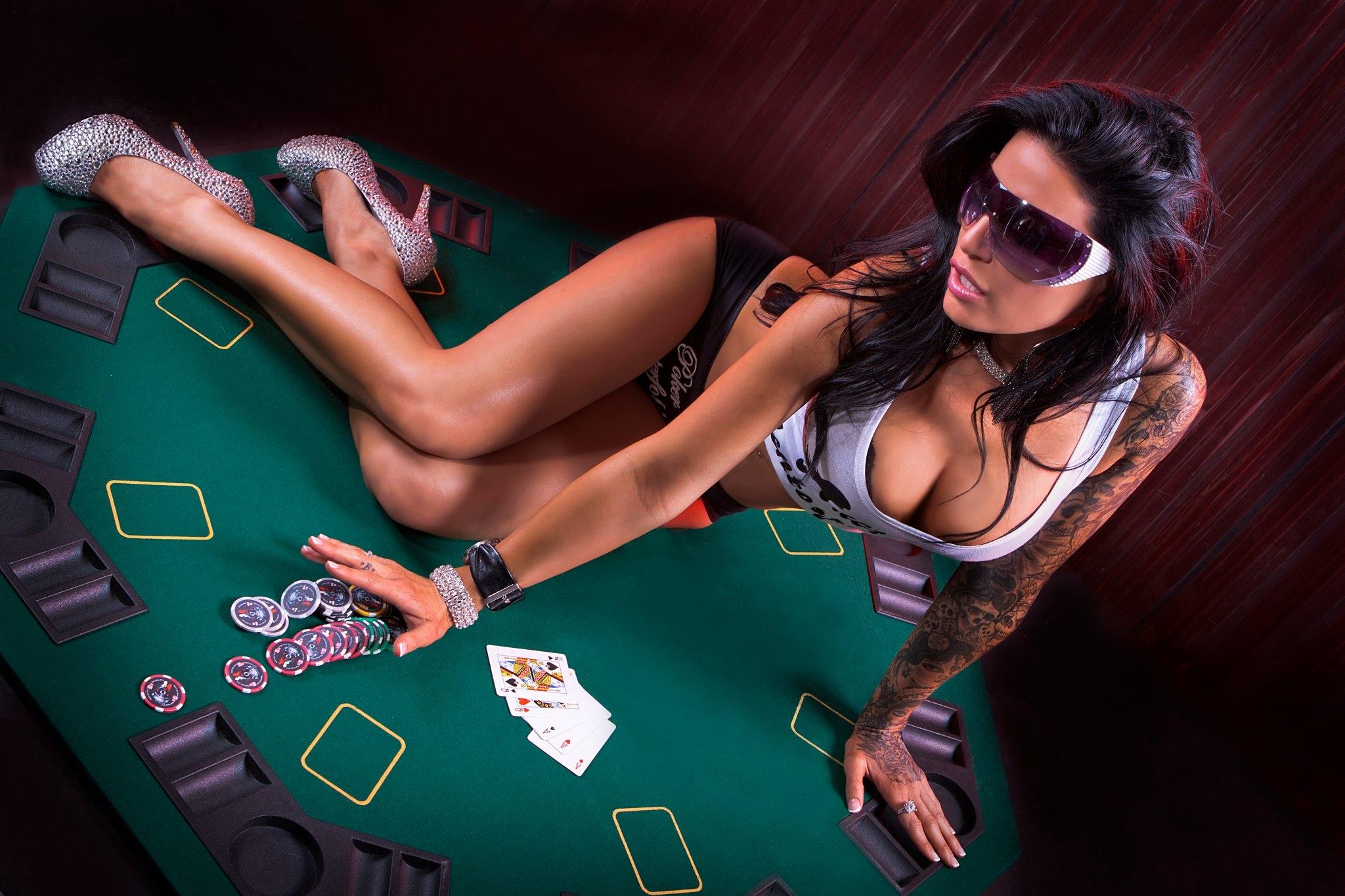 голые девушки в казино