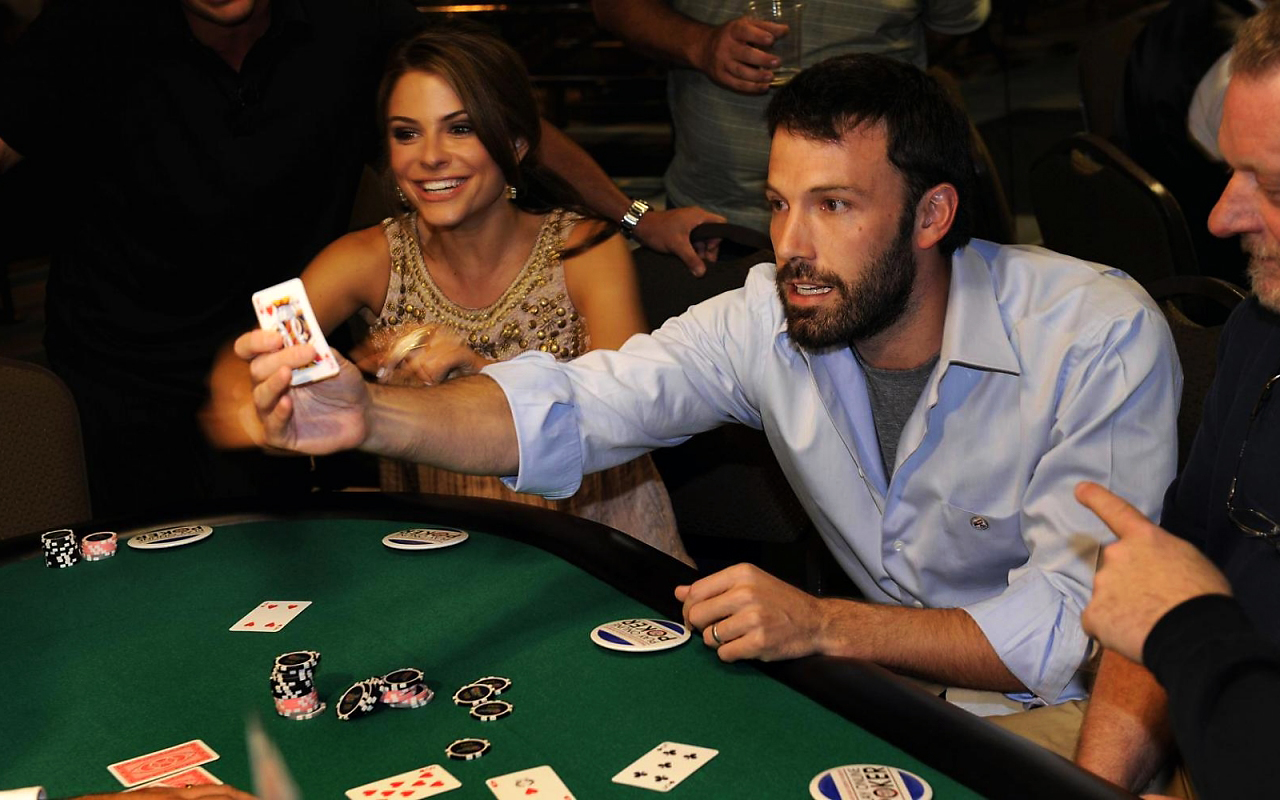 проиграл жену в казино