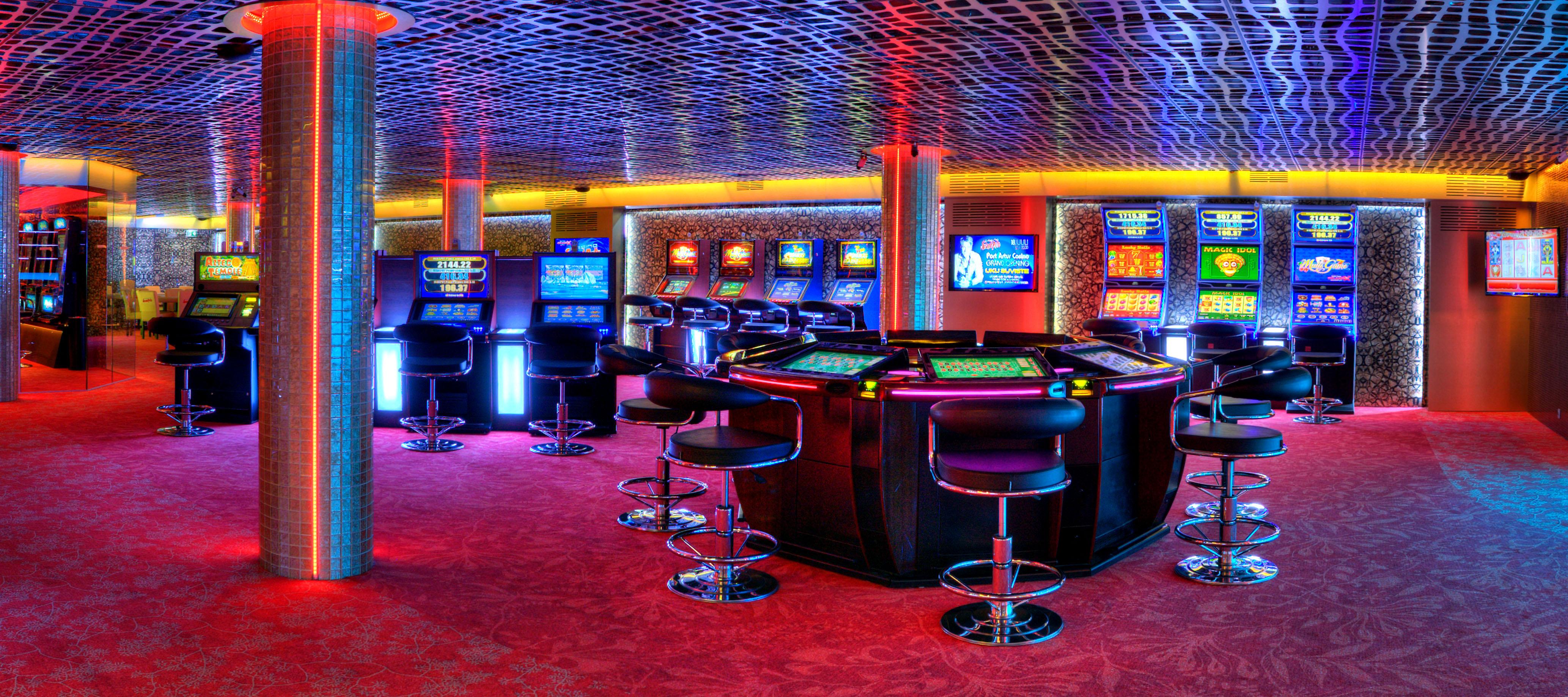job for casino dealer